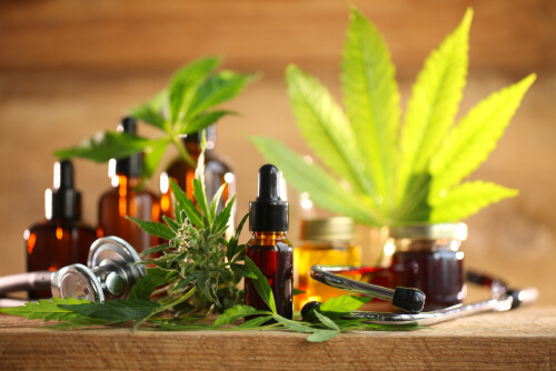 Can Cannabidiol Help Reduce Steroids Consumption Or Replace It?